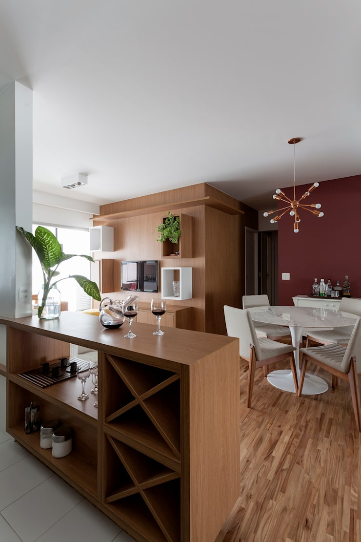 APARTAMENTO MICHIGAN: Salas de estar  por Tria Arquitetura