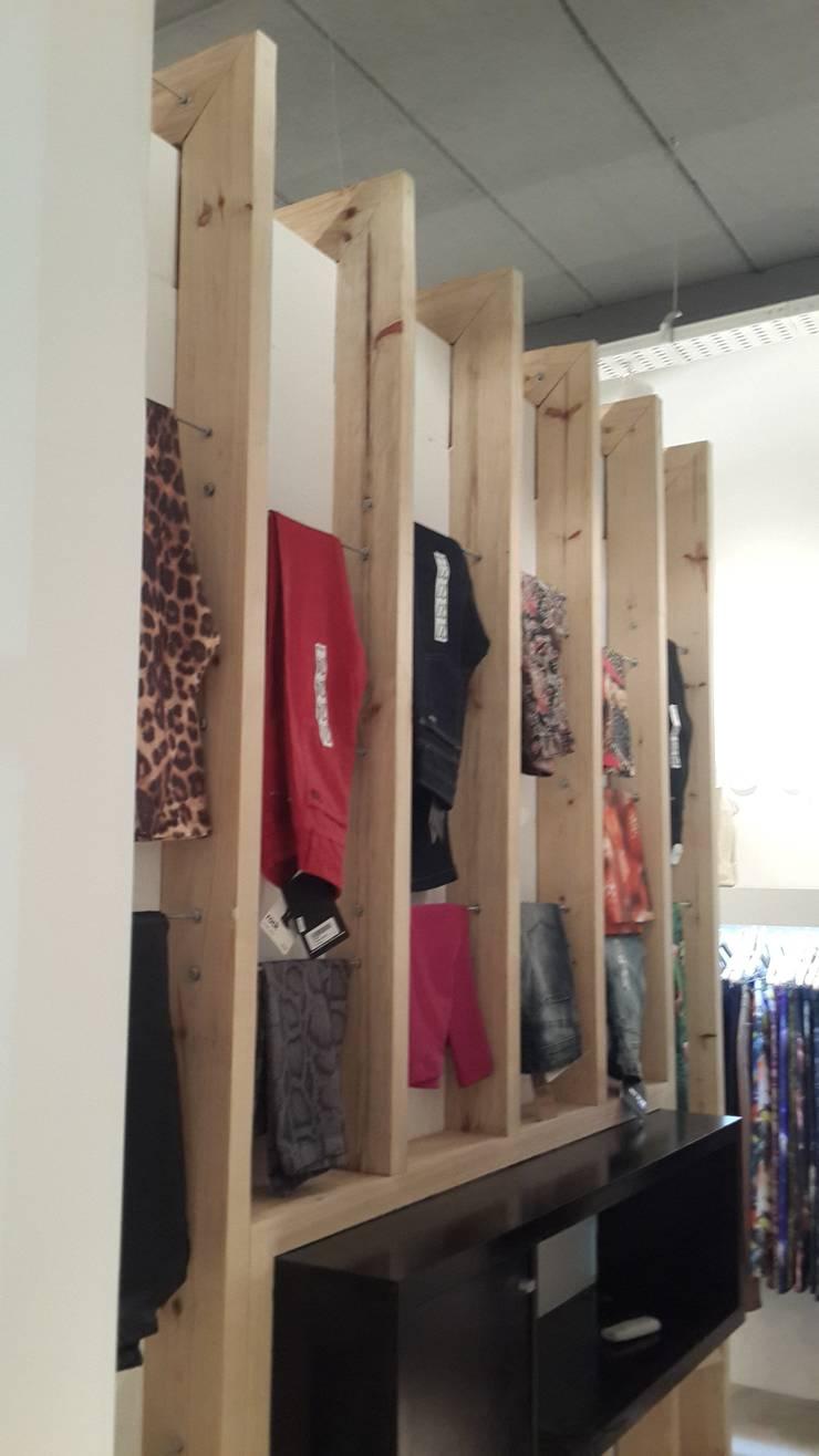 Boutique Charme : Shoppings y centros comerciales de estilo  por DX ARQ - DisegnoX Arquitectos