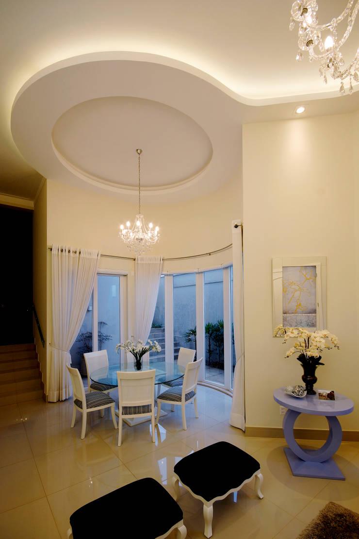 Residencia São Carlos Salas de jantar clássicas por Luciano Esteves Arquitetura e Design Clássico