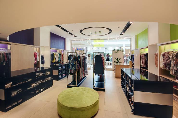 Loja Shopping : Shopping Centers  por Luciano Esteves Arquitetura e Design