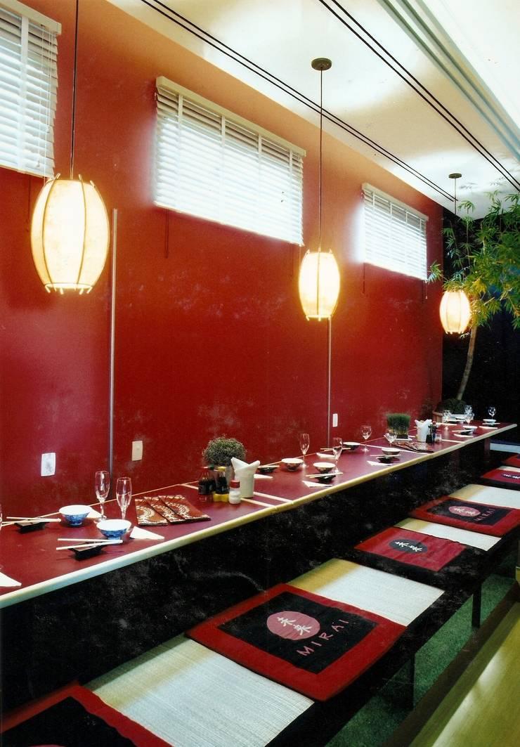 Restaurante Japonês : Bares e clubes  por Luciano Esteves Arquitetura e Design