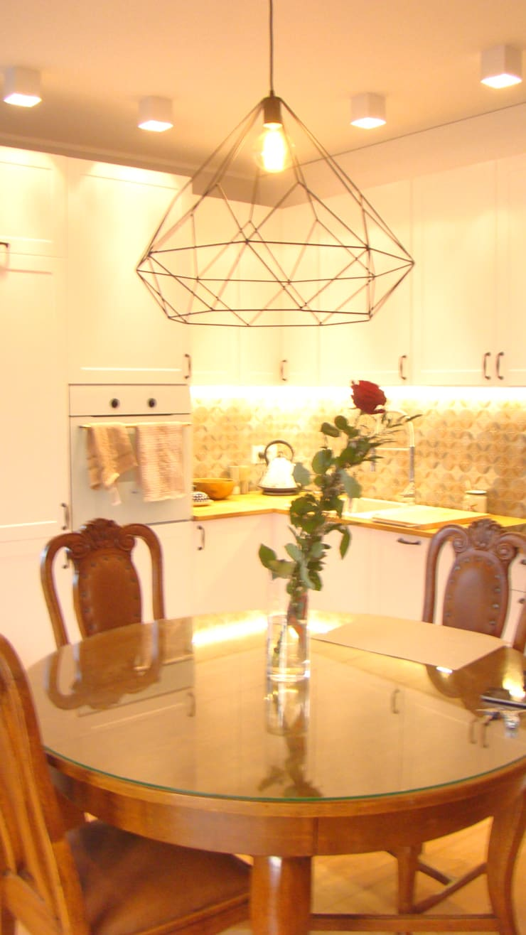 mieszkanie Plewiska: styl , w kategorii Kuchnia zaprojektowany przez Kara design. Pracownia Projektowa Karolina Pruszewicz