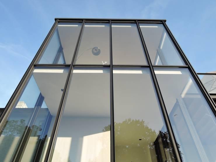 Tour vitrée : Maisons de style  par ARTERRA