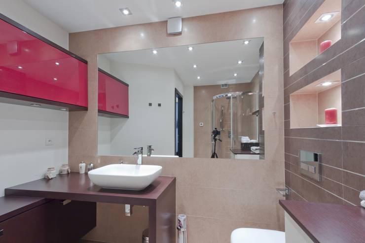 Łazienka po remoncie: styl , w kategorii Łazienka zaprojektowany przez ZAWICKA-ID Projektowanie wnętrz
