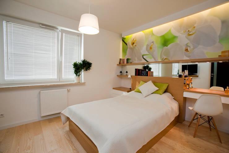 Camera da letto in stile  di ZAWICKA-ID Projektowanie wnętrz