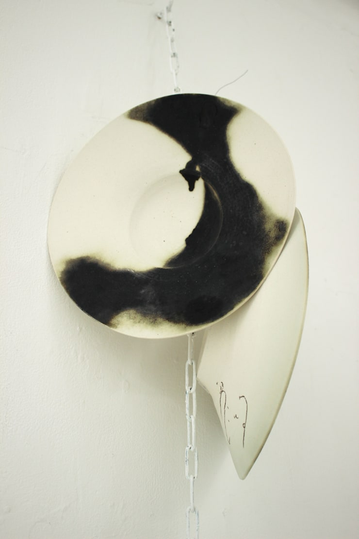 [Country of The New Moon] Plates (semi-porcelain): Ricca OKANOが手掛けたキッチンです。