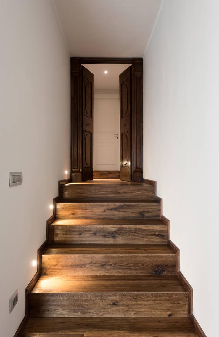 Corridor & hallway by Melissa Giacchi Architetto d'Interni, Classic
