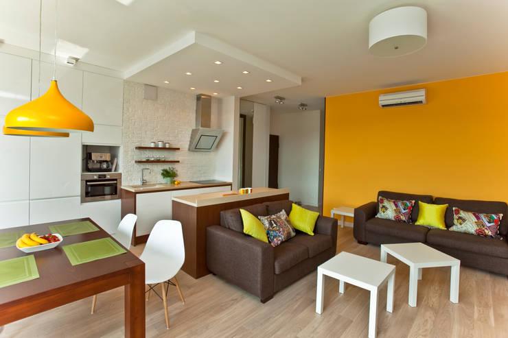 Salon z kuchnią: styl , w kategorii Salon zaprojektowany przez ZAWICKA-ID Projektowanie wnętrz
