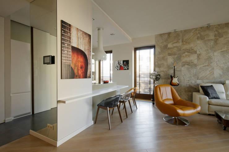 Kącik jadalniany przy wyspie: styl , w kategorii Salon zaprojektowany przez ZAWICKA-ID Projektowanie wnętrz