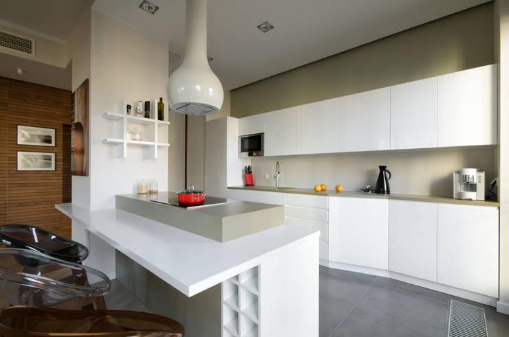 Stonowana kuchnia: styl , w kategorii Kuchnia zaprojektowany przez ZAWICKA-ID Projektowanie wnętrz