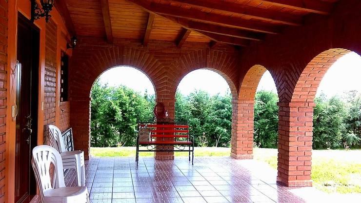 CABAÑA EN ATOTONILCO EL GRANDE HGO : Pasillos y recibidores de estilo  por OMR ARQUITECTURA & DISEÑO DE INTERIORES
