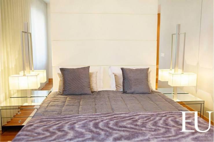 Suite Casal: Quartos  por EU INTERIORES