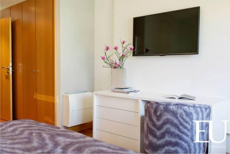 Suite Casal : Quartos  por EU INTERIORES