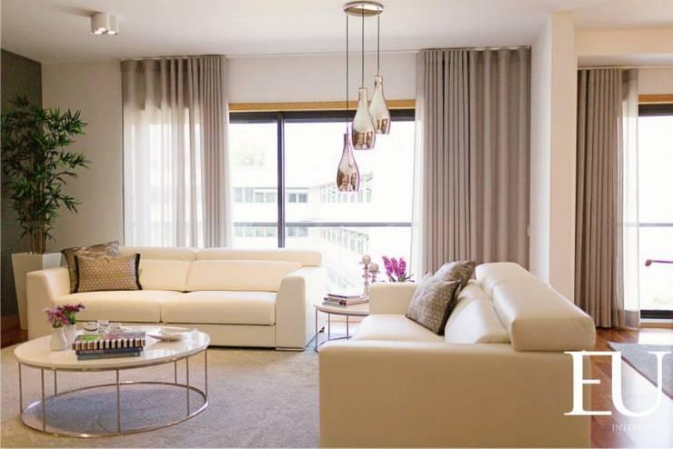 Sala: Salas de estar  por EU INTERIORES