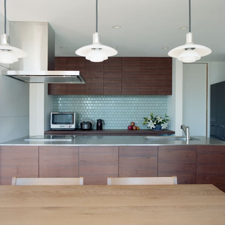Modern Kitchen by AIDAHO Inc. Modern Tiles