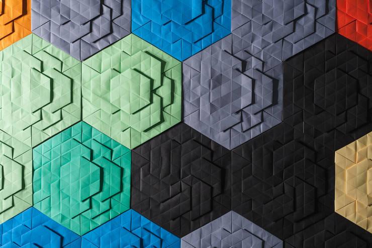 Décor Mural RAINBOW (vendu par lot de 10 pièces) - ∅ 27,5 cm: Murs & Sols de style  par ARTURASS
