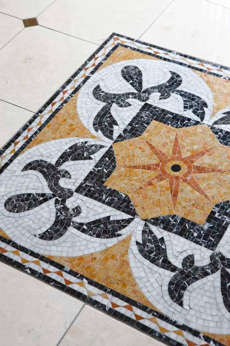 YO house | SANKAIDO: SANKAIDO | 株式会社 参會堂が手掛けた廊下 & 玄関です。,地中海