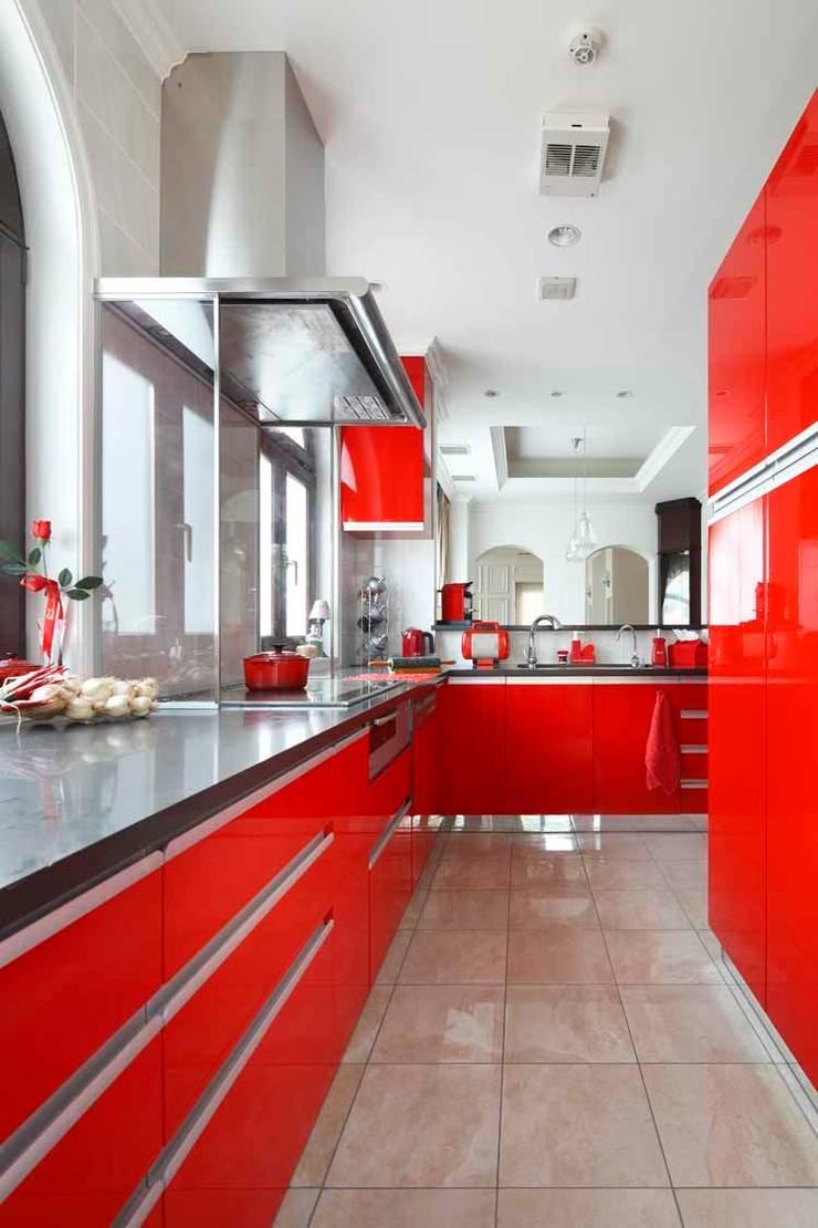 YO house | SANKAIDO: SANKAIDO | 株式会社 参會堂が手掛けたキッチンです。,地中海
