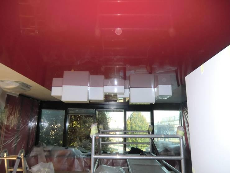 ufficio: Negozi & Locali commerciali in stile  di artesa srl,