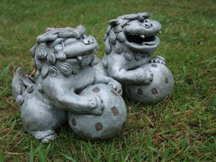 釉炭化 玉シーサー: 里窯【藤原 里子】が手掛けたアートです。,
