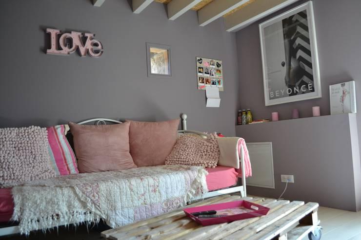 Habitaciones para adolescentes de estilo  por Courants Libres