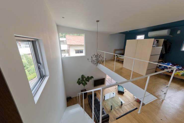 富雄の家: carve.建築設計が手掛けた子供部屋です。