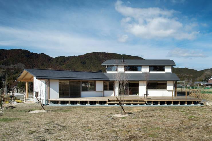 Casas de estilo  por 大森建築設計室