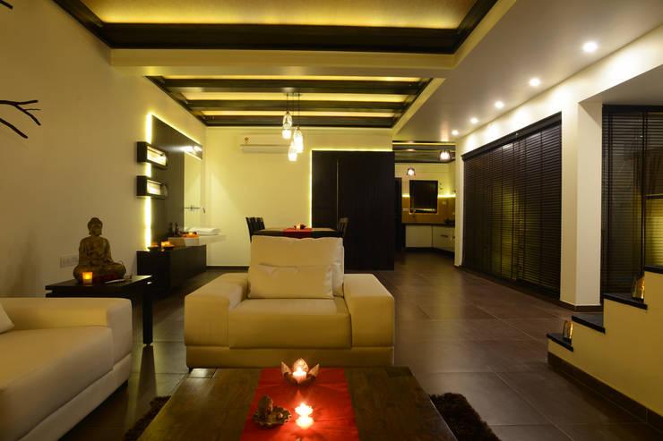 Weekend Villa Interior:  Living room by RUST the design studio,Modern Wood Wood effect