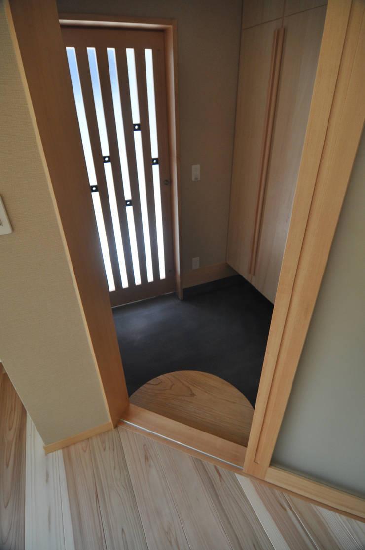 http://www.komagura.jp/2015/kenmotsu.html: (株)独楽蔵 KOMAGURAが手掛けた玄関&廊下&階段です。,