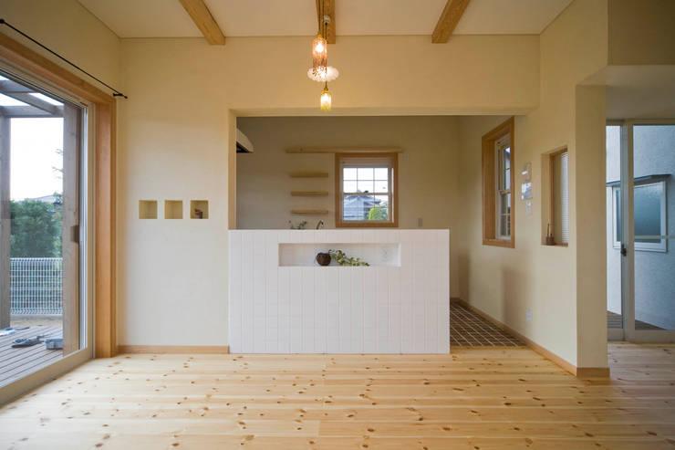 Salle à manger de style de style eclectique par 大森建築設計室