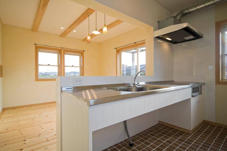 eclectic Kitchen by 大森建築設計室
