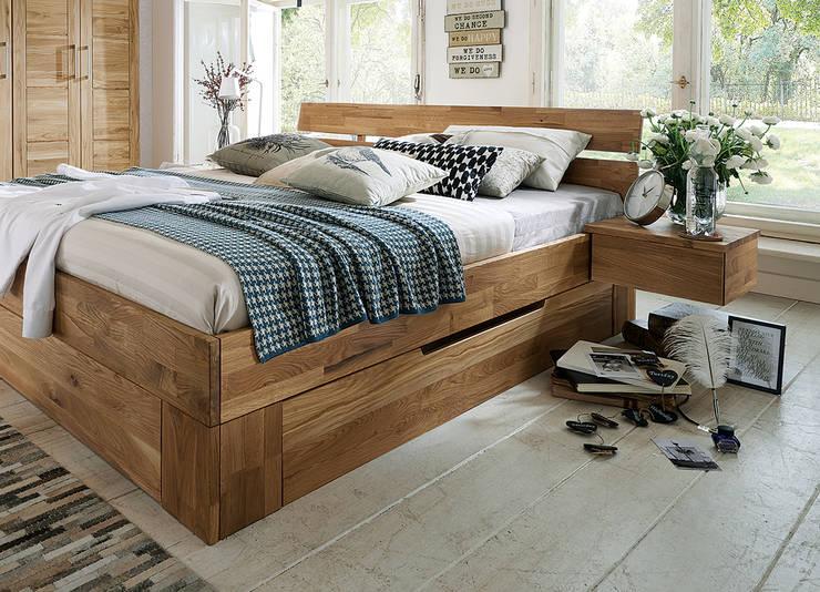 Dormitorios de estilo  por Allnatura