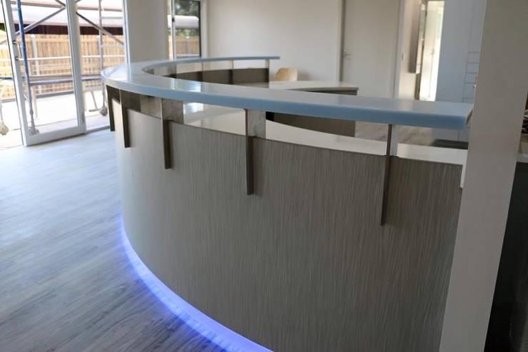 -:  de estilo  por Tg Proyectos, Construcción y Consultoría