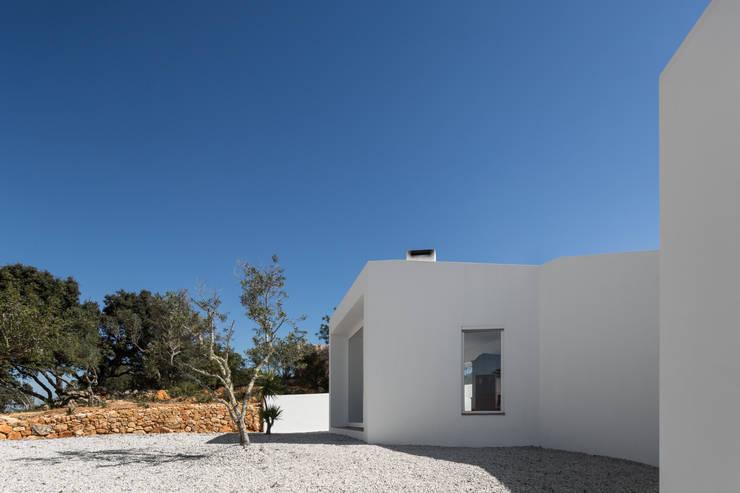 CASA VALE DE MARGEM: Casas  por MARLENE ULDSCHMIDT