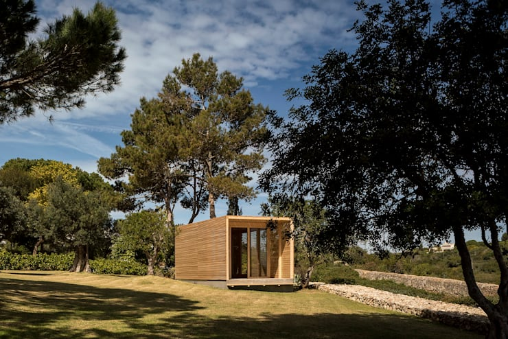 THE PAVILLION: Casas  por MARLENE ULDSCHMIDT