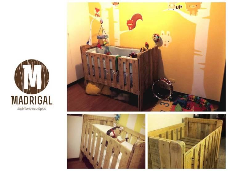 Muebles hechos a mano: Habitaciones infantiles de estilo  por La Madriguera