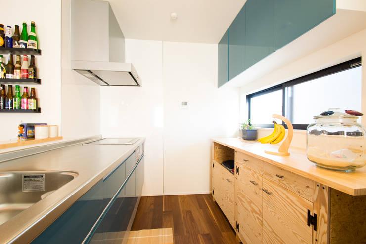 loop house: 株式会社スタジオ・チッタ Studio Cittaが手掛けたキッチンです。,