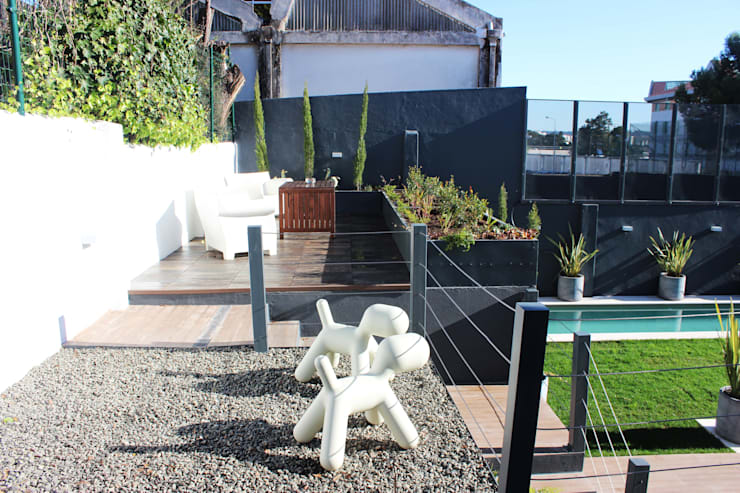 Moradia Garrett: Jardins  por ARQAMA - Arquitetura e Design Lda