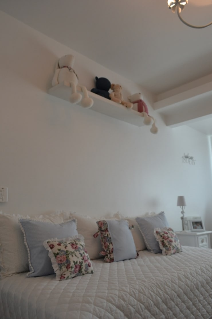Quarto Menina Felix Crame: Quarto infantil  por Isabella Machado Arquitetura,