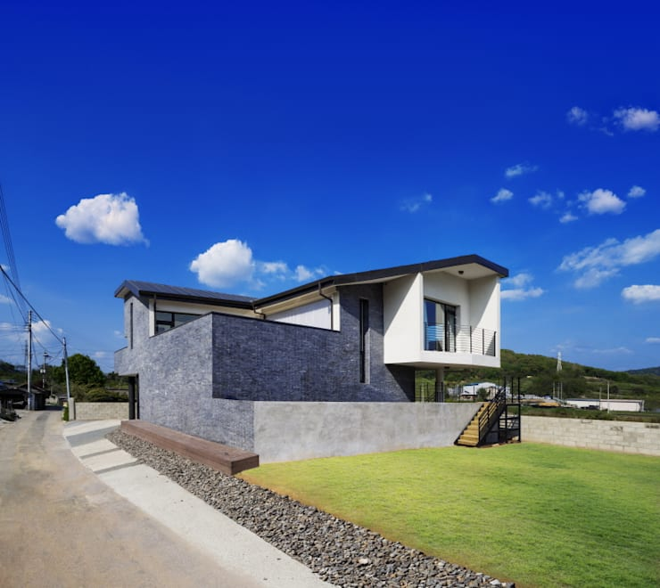 Pyrus House: 'Snow AIDe의  주택