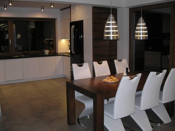 Nowoczesny dom LIV 3 G2 - przytulnie i pięknie!: styl , w kategorii Kuchnia zaprojektowany przez Pracownia Projektowa ARCHIPELAG