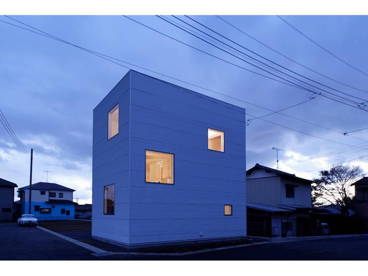 SN-house: TNdesign一級建築士事務所が手掛けた家です。
