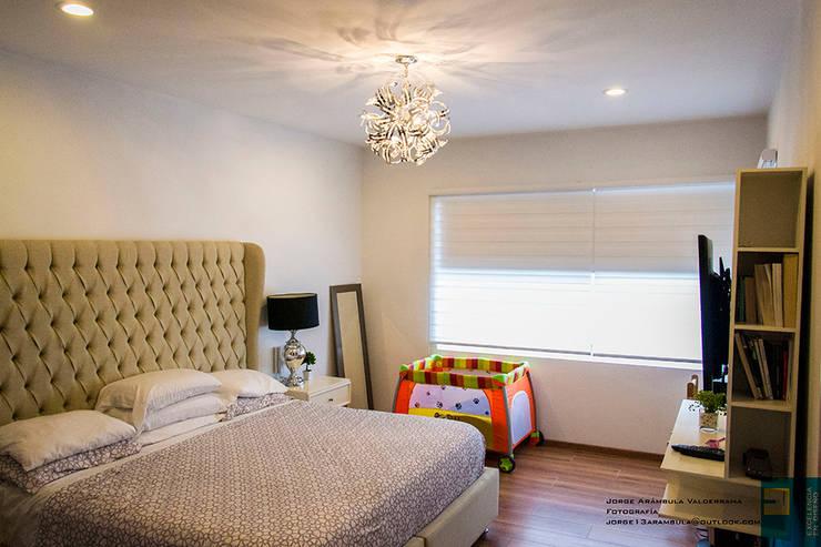 modern Bedroom by Excelencia en Diseño
