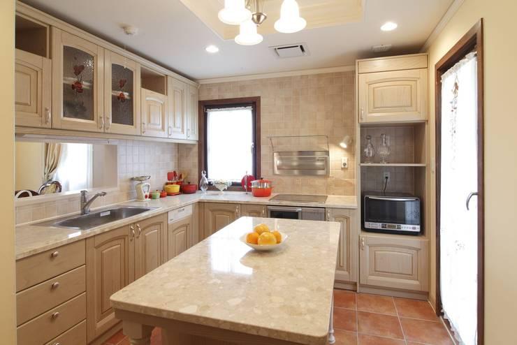 TA house   SANKAIDO: SANKAIDO   株式会社 参會堂が手掛けたキッチンです。,