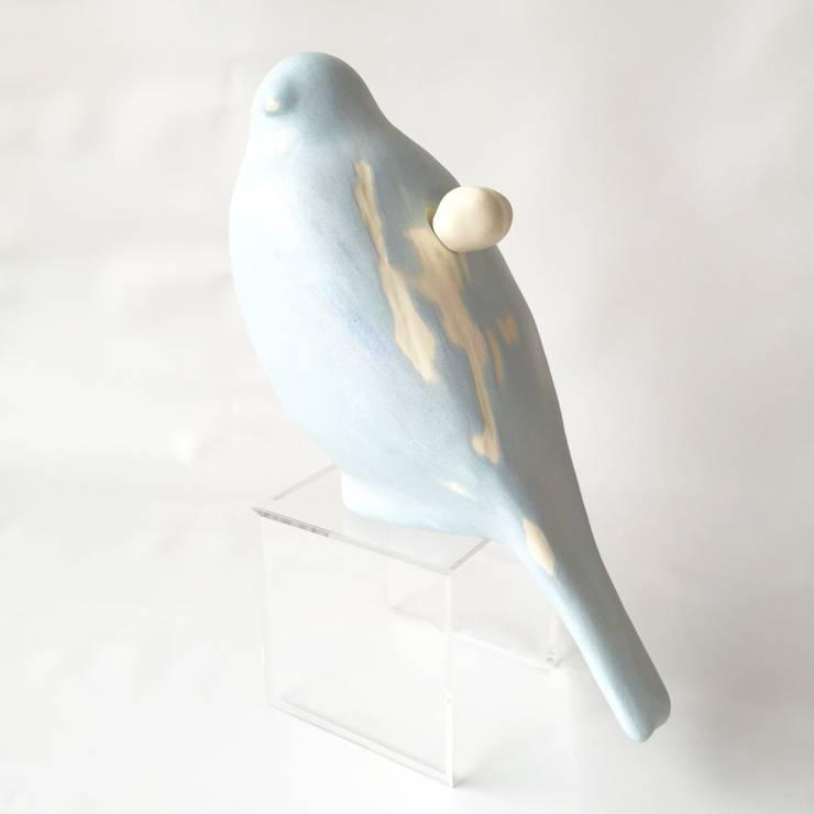空シリーズ ハイタカ  sky series  Sparrow hawk: 陶刻家 由上恒美                                          Ceramic Sculptor  tsunemi yukami  が手掛けたアートです。