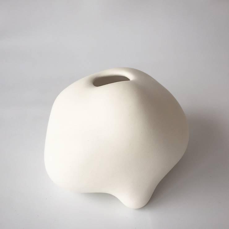 雲シリーズ 佇む clouds series Nestle: 陶刻家 由上恒美                                          Ceramic Sculptor  tsunemi yukami  が手掛けたアートです。