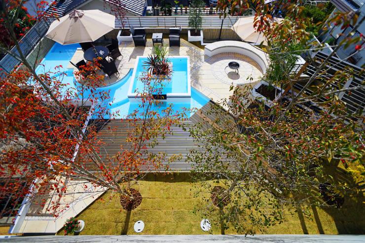 水景を巡るテラスの庭 2015~: にわいろSTYLEが手掛けた庭です。