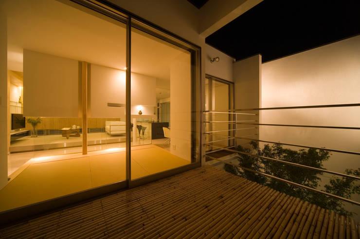 凛椛: 一級建築士事務所 株式会社KADeLが手掛けたテラス・ベランダです。,