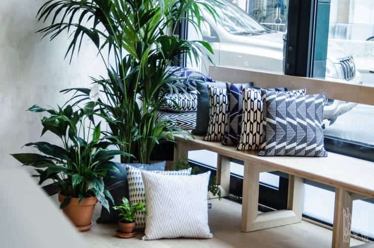KVP for PULP: Maison de style  par KVP-Textile Design