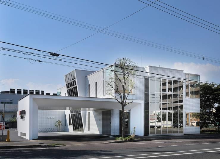 松田内科循環器クリニック: 一級建築士事務所 アトリエTAROが手掛けた病院です。